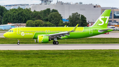 A picture of VPBSR - Airbus A320271N - S7 Airlines - © Sergey Popkov