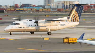 N368PH - Bombardier Dash 8-Q202 - United Express (Commutair)