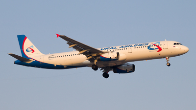 VQ-BGY - Airbus A321-231 - Ural Airlines