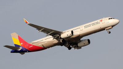 HL8004 - Airbus A321-231 - Asiana Airlines