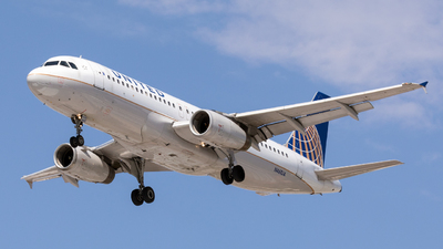 N461UA - Airbus A320-232 - United Airlines
