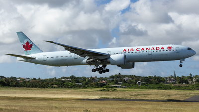 A picture of CFIVR - Boeing 777333(ER) - Air Canada - © Che Stuart