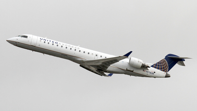 N716SK - Bombardier CRJ-701 - United Express (SkyWest Airlines)