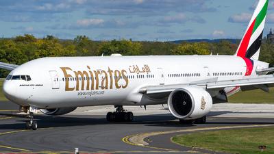 A6-EBP - Boeing 777-31HER - Emirates