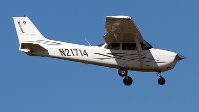 A picture of N21714 - Cessna 172S Skyhawk SP - [172S10471] - © Jeremy D. Dando