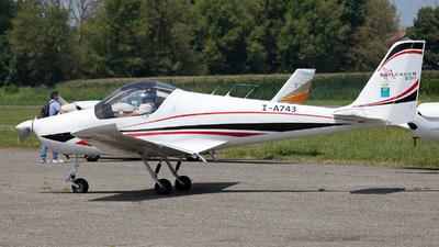 I-A743 - Skyleader 200 - Private