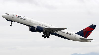 N752AT - Boeing 757-212 - Delta Air Lines