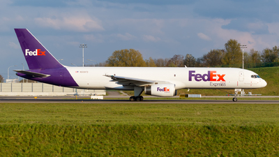 A picture of N939FD - Boeing 75723A(SF) - FedEx - © Matteo Lamberts
