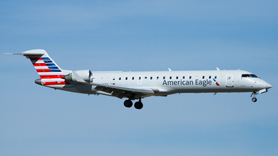 N604QX - Bombardier CRJ-701 - American Eagle (ExpressJet Airlines)