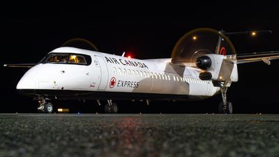 A picture of CGGFJ - De Havilland Canada Dash 8400 - Air Canada - © CJMAviation