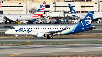 A picture of N631QX - Embraer E175LR - Alaska Airlines - © Rocky Wang