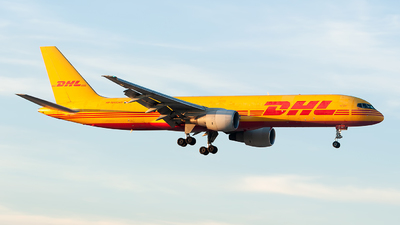 A picture of HP1910DAE - Boeing 75727A(PCF) - DHL - © Mark Lawrence