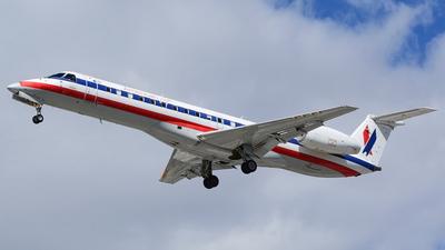 N801AE - Embraer ERJ-140LR - American Eagle (Envoy Air)