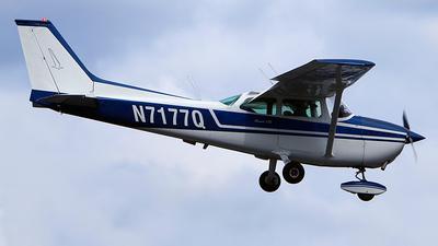 A picture of N7177Q - Cessna 172L Skyhawk - [17260477] - © Dave Lu