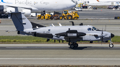 93-00697 - Beechcraft RC-12X Guardrail - United States - US Army Air Force (USAAF)