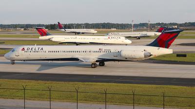 N950DL - McDonnell Douglas MD-88 - Delta Air Lines