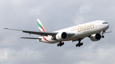 A6-ENX - Boeing 777-31HER - Emirates