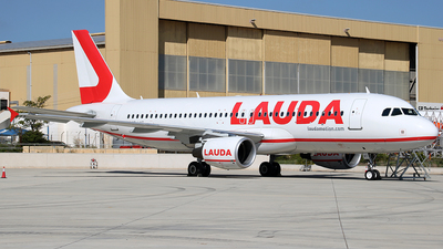 OE-LMT - Airbus A320-214 - LaudaMotion