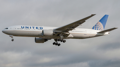 N781UA - Boeing 777-222 - United Airlines