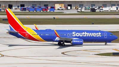 N8303R - Boeing 737-8H4 - Southwest Airlines