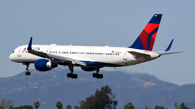 A picture of N548US - Boeing 757251 - Delta Air Lines - © Rocky Wang