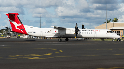 A picture of VHLQF - De Havilland Canada Dash 8400 - Qantas - © Ben Long
