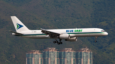 VT-BDA - Boeing 757-25F(PCF) - Blue Dart Aviation