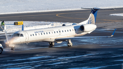 A picture of N17159 - Embraer ERJ145XR - United Airlines - © Albany_Airspace