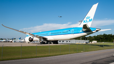 A picture of PHBKI - Boeing 78710 Dreamliner - KLM - © Devin | Charleston.Spotter