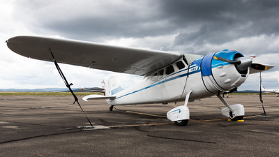 N4371N - Cessna 195 - Private