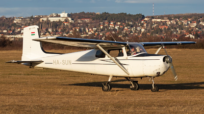 HA-SUN - Cessna 172 Skyhawk - Private