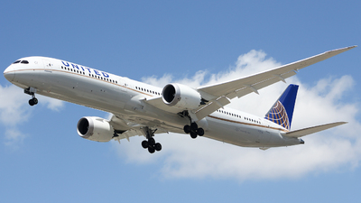 A picture of N17002 - Boeing 78710 Dreamliner - United Airlines - © Xiamen Air 849 Heavy