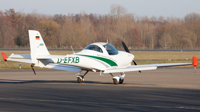 D-EFXB - Aquila A210 - RWL - German Flight Academy