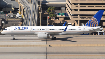 A picture of N33132 - Boeing 757224 - United Airlines - © Jason Whitebird