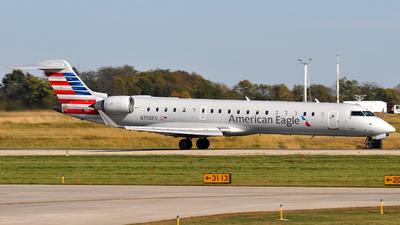 N758EV - Bombardier CRJ-701 - American Eagle (SkyWest Airlines)