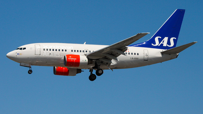 LN-RRP - Boeing 737-683 - Scandinavian Airlines (SAS)
