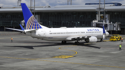 N76517 - Boeing 737-824 - United Airlines
