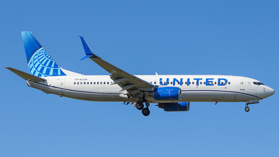 A picture of N12218 - Boeing 737824 - United Airlines - © Sebastian Lugo