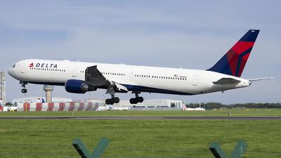 N828MH - Boeing 767-432(ER) - Delta Air Lines