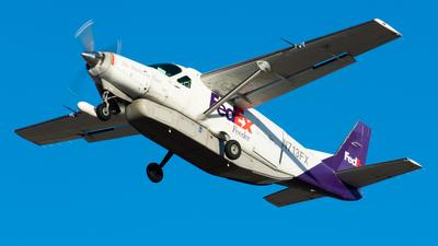 N713FX - Cessna 208B Super Cargomaster - FedEx