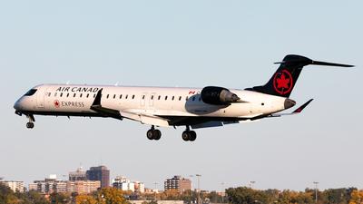 A picture of CFCJZ - Mitsubishi CRJ900LR - Air Canada - © Hongyu Wang