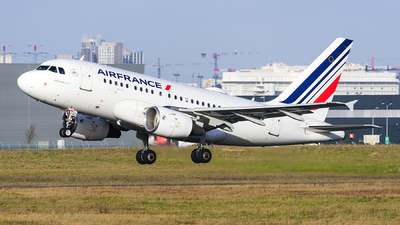 A picture of FGUGD - Airbus A318111 - Air France - © guillaume fevrier