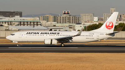 JA319J - Boeing 737-846 - Japan Airlines (JAL)