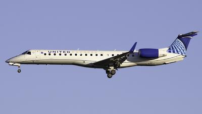 A picture of N11187 - Embraer ERJ145XR - United Airlines - © Sebastian C