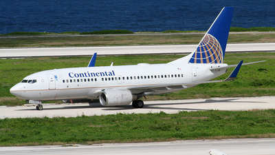 N24706 - Boeing 737-724 - Continental Airlines