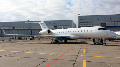 M-AJET - Bombardier BD-700-1A10 Global 6500 - Private
