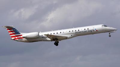 N923AE - Embraer ERJ-145LR - American Eagle (Envoy Air)