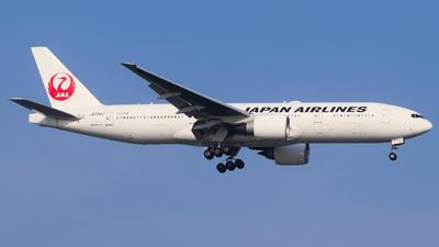JA704J - Boeing 777-246(ER) - Japan Airlines (JAL)