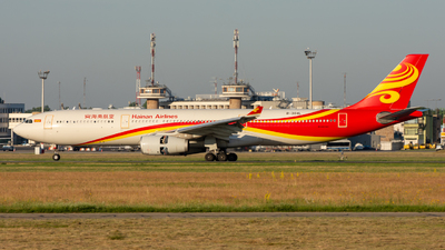 A picture of B304L - Airbus A330343 - Hainan Airlines - © srmark