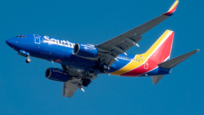 N215WN - Boeing 737-7H4 - Southwest Airlines